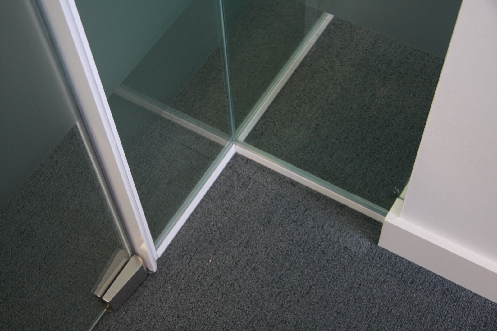 Frameless Glazing Office Blinds Amp Glazing