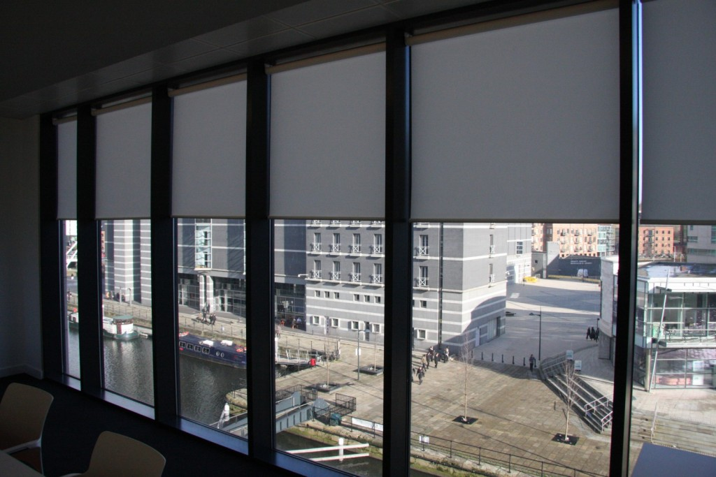 Office Roller Blinds : How different types of office window blinds can change a