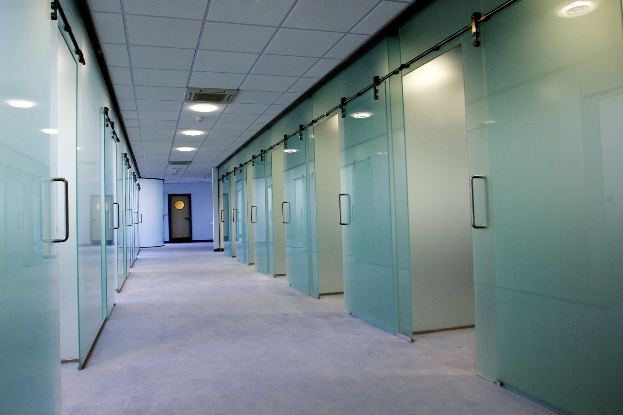 salford-university-glass-partitions